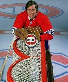 Cool pic of Kenny Dryden Hockey Goalie, Hockey Teams, Hockey Players, Hockey Room, Montreal Canadiens, Nhl, Ken Dryden, Hockey Pictures, Goalie Mask