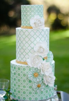 Mint Color Mod Wedding Cake