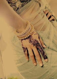 Henna... Henna, henna, henna.