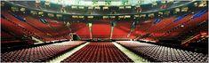 Que vous assistiez à un match des Canadiens, au concert d'un artiste de renommée internationale ou à un spectacle familial, le Centre Bell est le lieu de divertissement par excellence à Montréal. De plus, le Centre Bell est l'endroit tout désigné pour accueillir réunions d'affaires, congrès et réceptions de tous genres.