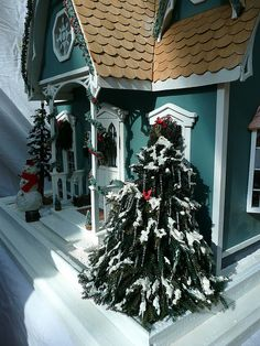 Christmas Dollhouse Cottage