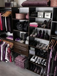 We love this beautifully #organized & functional #wardrobe, how long will it stay that way is the real question....