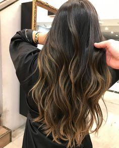 Super Ideas for hair color 2019 balayage Brown Hair Balayage, Hair Color Balayage, Caramel Balayage, Partial Balayage Brunettes, Highlights For Black Hair, Bayalage Dark Hair, Haircolor, Brunette With Caramel Highlights, Balayage Hair Brunette Long