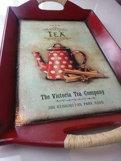 Diy Plastic Bottle, Tea Companies, Decoupage Vintage, Diy Woodworking, Painted Furniture, Ale, Stencils, Shabby Chic, Tray