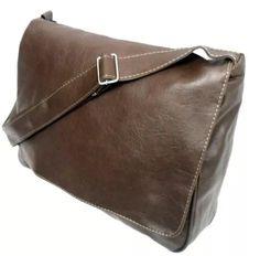74b4155a9 24 melhores imagens de Bolsa carteiro masculina | Wallet, Beige tote ...