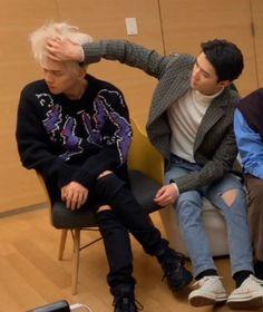 Image about exo in Baekhyun🍫 by nena on We Heart It Exo Couple, Ko Ko Bop, Exo Lockscreen, Exo Ot12, Baekhyun Chanyeol, Kim Min Seok, Exo Memes, Kpop Boy, Funny Faces