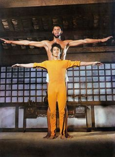 Kareem and Bruce Lee, Look at the height difference! Bruce Lee was only Bruce Lee Photos, Brandon Lee, Chuck Norris, Brice Lee, Bruce Lee Games, Bruce Lee Movies, Bruce Lee Martial Arts, Game Of Death, Kareem Abdul Jabbar
