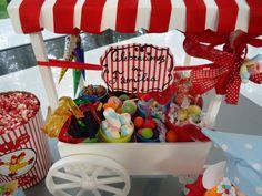 Carrito lleno de dulces por Eva Benavente  http://www.manosalaobra.tv/TELEVISION/CELEBRACIONES-EN-FAMILIA/Celebraciones-en-Familia-Marzo-2012/Dulces-Callejeros.aspx