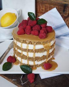 Herrhavreflarn - KaffeLatte tårta med vanilj och cremecheese fyllning toppad med espresso icing.