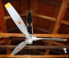 Picture of Airplane propeller ceiling fan