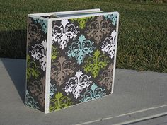 "Cute idea for a recipe binder. NEED to make one of these! I am always trying to remember what website I found ""that"" recipe from!"