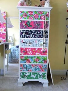 Lilly pattern drawer covers. Adorable for LG's playroom.