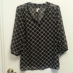 Sheer blouse Light weight sheer blouse with cream and black detail pattern. Great for work or a night out!✨✨ Old Navy Tops Blouses