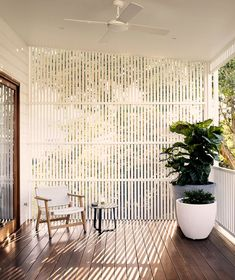 Contemporary extension to a pre-war Brisbane home Cheap Room Decor, Cheap Rooms, Brisbane, Perth, Outdoor Rooms, Outdoor Living, Interior And Exterior, Interior Design, Decoration