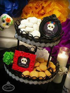 Day of the Dead Mexican wedding and orange polvorones cookies from @worldmarket ~ Lynlee's