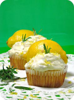 The Creative Pot: Lemon Olive Oil Cupcakes with Rosemary Savory Cupcakes, Lime Cupcakes, Cupcake Flavors, Cupcake Recipes, Cupcake Ideas, Lemon Olive Oil, Olive Oil Cake, Meyer Lemon Recipes, Yummy Treats