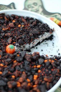 Halloween Oreo Cream Pie - The Easy Dessert - Bunny Cakes