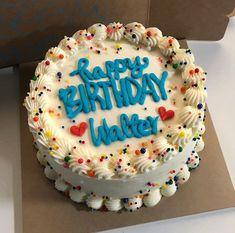 Funny Birthday Cakes, Pretty Birthday Cakes, Pretty Cakes, Cute Cakes, Cute Desserts, Delicious Desserts, Dessert Recipes, Bakery Style Cake, Kawaii Dessert