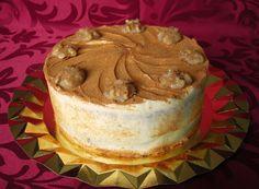 Zucchini cake with cinnamon and walnuts