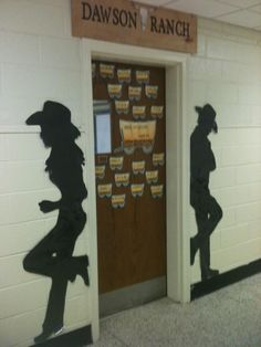 Western CLassroom Theme The Reading Ranch Elementary Classroom Themes, Elementary Library, School Themes, Classroom Door, Farm Theme Classroom, Wild West Theme, Wild West Party, Cowboy Theme, Cowboy Party