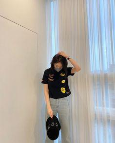 Easy Homemade Face Masks, Capri Pants, T Shirt, Tops, Women, Fashion, Supreme T Shirt, Moda, Capri Trousers