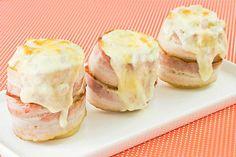 Batata Cremosa com Bacon e Requeijão. Mas eu acredito q trocar o requeijão pelo queijo cheddar fica menos enjoativo e mais saboroso.