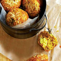pumpkin, cheese and rosemary muffins - for lunchboxes Healthy Living Recipes, Baby Food Recipes, Dessert Recipes, Food Baby, Yummy Recipes, Dinner Recipes, Desserts, Finger Food Appetizers, Finger Foods