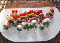 I am married to an Italian and so antipasto is an essential appetizer at every holiday gathering. Most antipasto ingredients are low FODMAP, fortunately! Today's recipe: a fun antipasto skewe…