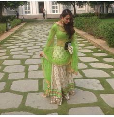Bollywood celebrities have given a new dimension to the Indian Lehenga giving a whole new range of variety to shoppers. Lehenga worn by Bollywood celebrities have became the latest trend setters for s. Pakistani Dresses, Indian Dresses, Indian Outfits, Ethnic Outfits, Green Lehenga, Indian Lehenga, Indian Attire, Indian Wear, Collection Eid