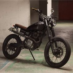 Parisian princess . Honda 125 courtesy of @56motorcycles. #dropmoto…