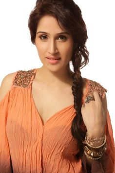pleasing sagarika ghatge