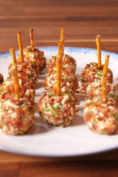 "Loaded Cheese Ball Bites Our favorite word to hear in front of cheese is ""loaded."" Get the recipe from Delish. Holiday Party Appetizers, Thanksgiving Appetizers, Camping Appetizers, Shower Appetizers, Popular Appetizers, Light Appetizers, Party Dips, Thanksgiving Turkey, Cheese Ball Recipes"
