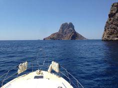 Con tu propia titulación náutica de recreo podrás descubrir paraísos. www.servinauta.com Teléfono de información: 986691783.