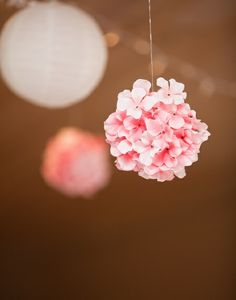 Hanging floral decor - from the Valentine's Day Wedding Lookbook #wedding #valentinesday #romantic #lookbook #decor #hanging #floral (Dan and Melissa Photography)