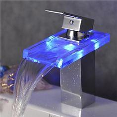 Einhand-Farbwechsel LED Wasserfall Bad Waschtischarmatur (verchromt)