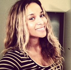 Ciara Without Makeup — Pregnant Star Glowing In InstagramPic