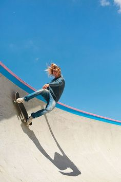At present, skate outfit is therefore customary in favorite society, that'd it appear to be sitting ducks for all those to put on. Hang Ten, Girls Skate, Grunge Trends, Skate Photos, Skater Boys, Skate Style, Dynamic Poses, Skate Surf, Storyboard
