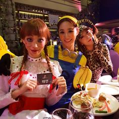 SM Artists Amaze With Costumes Once Again At This Year's Halloween Party Kpop Girl Groups, Kpop Girls, Taeyeon Fashion, Kim Hyoyeon, Kwon Yuri, Sulli, Famous Girls, Girl Gifs, Snsd