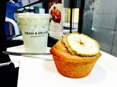 Dean & Deluca// Ice green tea latte & apple cinnamon muffin!