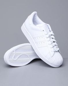 Classic white adidas = fresh to death!