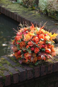 #Rouwbloemen #herfst #BLOM #BLoemwerkOpMaat #Wageningen #Bennekom #Renkum Funeral Flower Arrangements, Funeral Flowers, Floral Arrangements, Xmas Flowers, Fresh Flowers, Beautiful Flowers, Ikebana, Grave Decorations, Autumn Rose