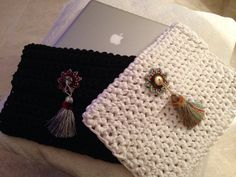 Handmade crochet clutch with ethnic touch by Remysoneandonly Crochet Clutch, Knit Crochet, Crochet Bags, Handmade Leather Wallet, Handmade Bags, Jean Purses, How To Make Purses, Straw Handbags, Crochet World