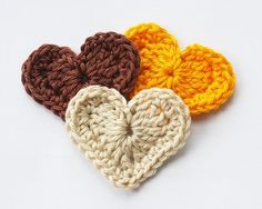 hearts -- wouldn't this make a cute holiday garland? for Christmas, Valentine's, or birthdays :)