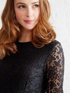 Robe dentelle de grossesse noir - Dentelle - mania ! Ultra féminine, la robe se porte pour les moments d'exception !   Collection Automne-Hiver 2016 - www.vertbaudet.fr