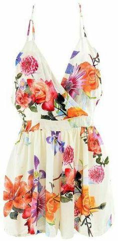 DETAILS: Beautiful floral playsuit Floral printV surplice…