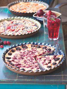 Kynuté ovocné koláče jako od babičky jsou hlavním tahákem únětické hospůdky U Lasíků. Recept na ně včetně návodu na těsto, které zaručeně vykyne, nám prozradila jejich autorka Michaela Mrhálková. Pie, Food, Torte, Cake, Fruit Cakes, Essen, Pies, Meals, Yemek