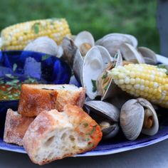 un pamplemousse — Grilled Clam Dinner