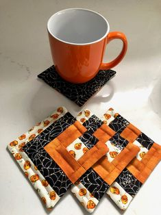 Your place to buy and sell all things handmade Halloween Quilts, Halloween Fabric, Quilted Table Toppers, Quilted Table Runners, Quilting Projects, Sewing Projects, Fabric Crafts, Sewing Crafts, Hanging Mugs