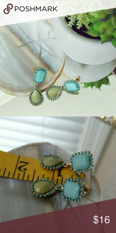 •mint+lime earrings• Beautiful colors, perfect to pair with your favorite summer dress! T&J Designs Jewelry Earrings