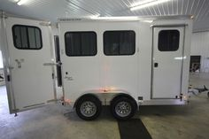 Looking for a new all aluminum bumper pull horse trailer? Look at this 2018 Merhow 2 Horse Trailer Slant Bumper Pull Aluminum from Triple C Trailer Sales!